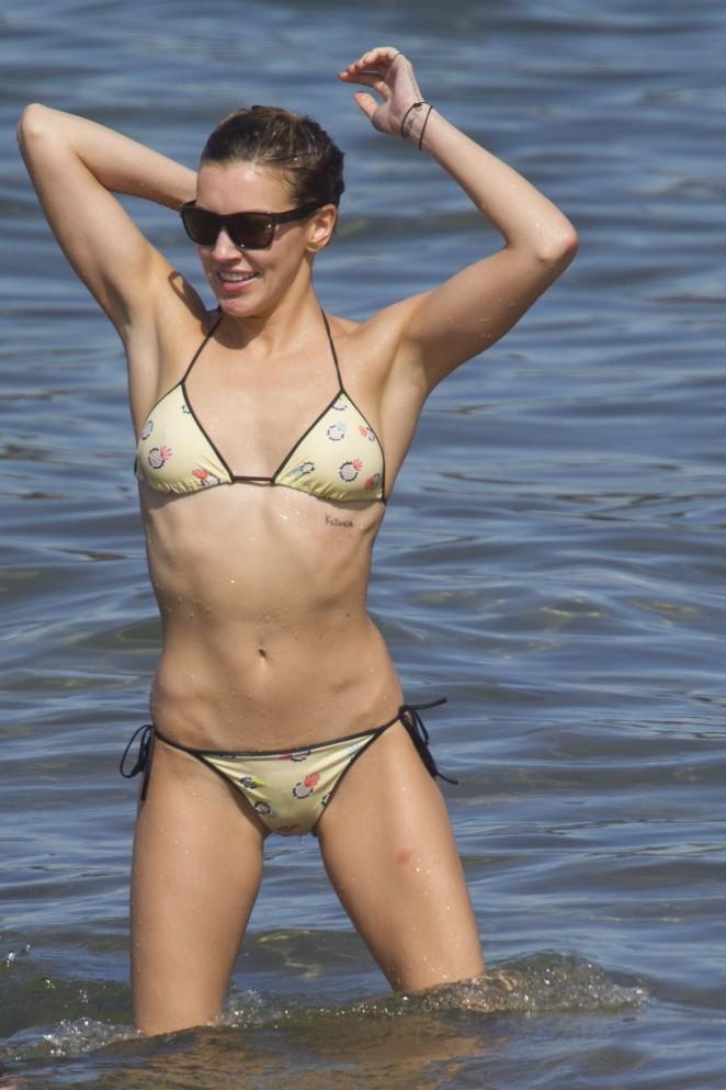 Katie cassidy bikini photos