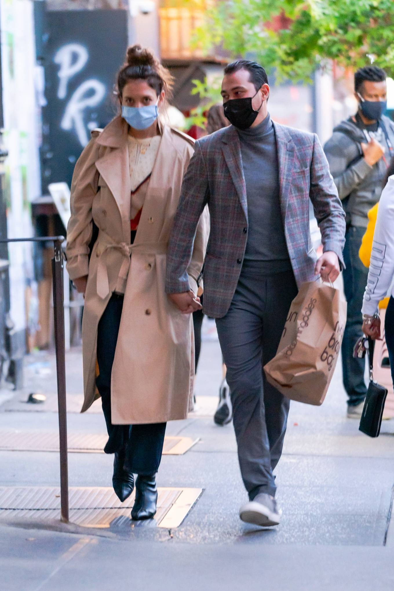 Katie Holmes 2020 : Katie Holmes and Emilio Vitolo – Spotted while out in New York City-04