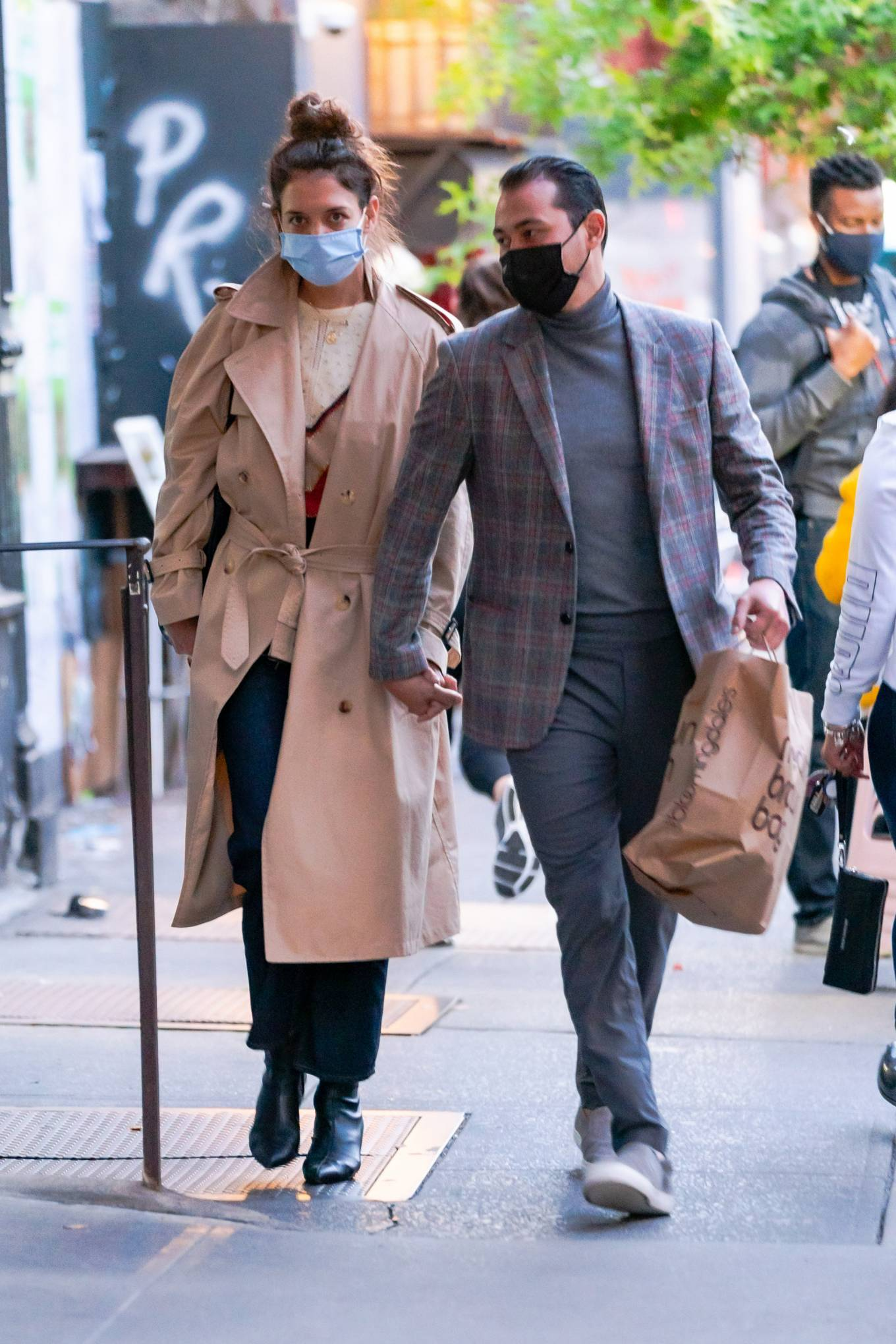 Katie Holmes 2020 : Katie Holmes and Emilio Vitolo – Spotted while out in New York City-07