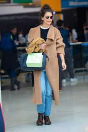 Katie Holmes - Arrival at JFK Airport in New York