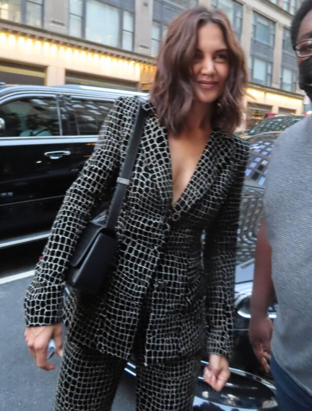 Katie Holmes - Arrives at NYFW - Gotham Hall in New York