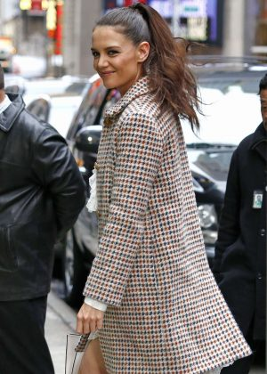Katie Holmes - Arriving at 'Good Morning America' in NYC