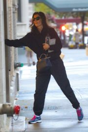 Katie Holmes - Arriving home in NYC