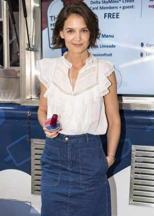 Katie Holmes - Attending the 'Perksicle Tour' Event in NY