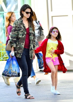 Katie Holmes: Disneyland California Adventure -01