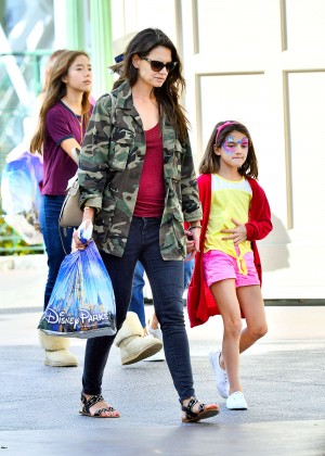 Katie Holmes: Disneyland California Adventure -02