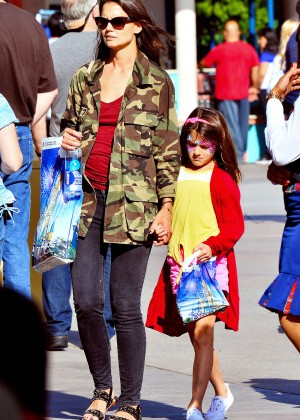 Katie Holmes: Disneyland California Adventure -03