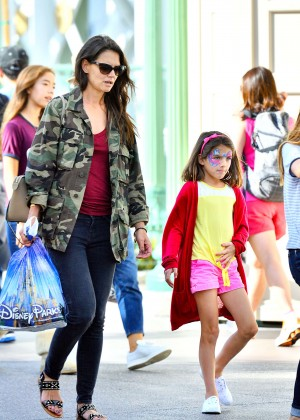 Katie Holmes: Disneyland California Adventure -06