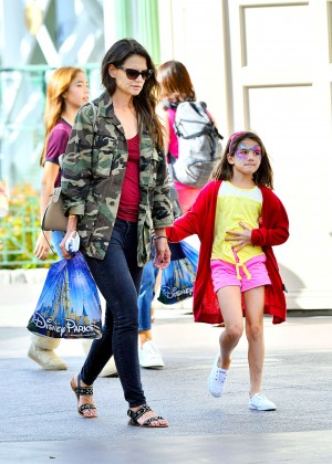 Katie Holmes: Disneyland California Adventure -10