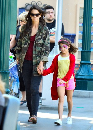 Katie Holmes: Disneyland California Adventure -12