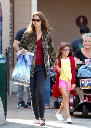 Katie Holmes: Disneyland California Adventure -13