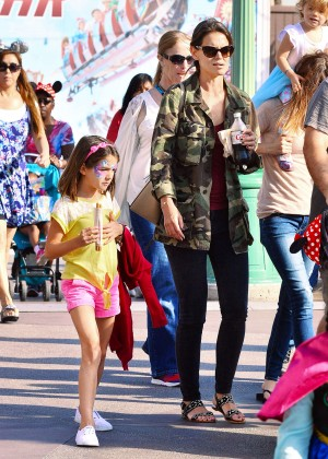 Katie Holmes: Disneyland California Adventure -15