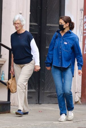 Katie Holmes - Dons all denim look as she steps out for shopping with mom Kathleen in NYC