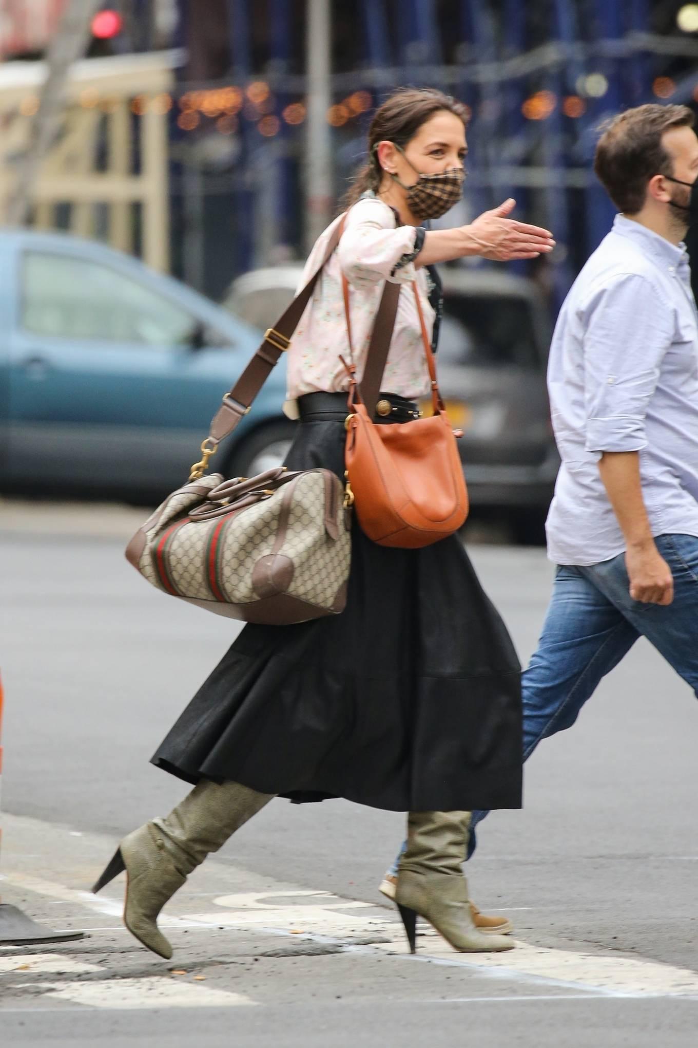 Katie Holmes 2021 : Katie Holmes – Filming in Tribeca – New York-07
