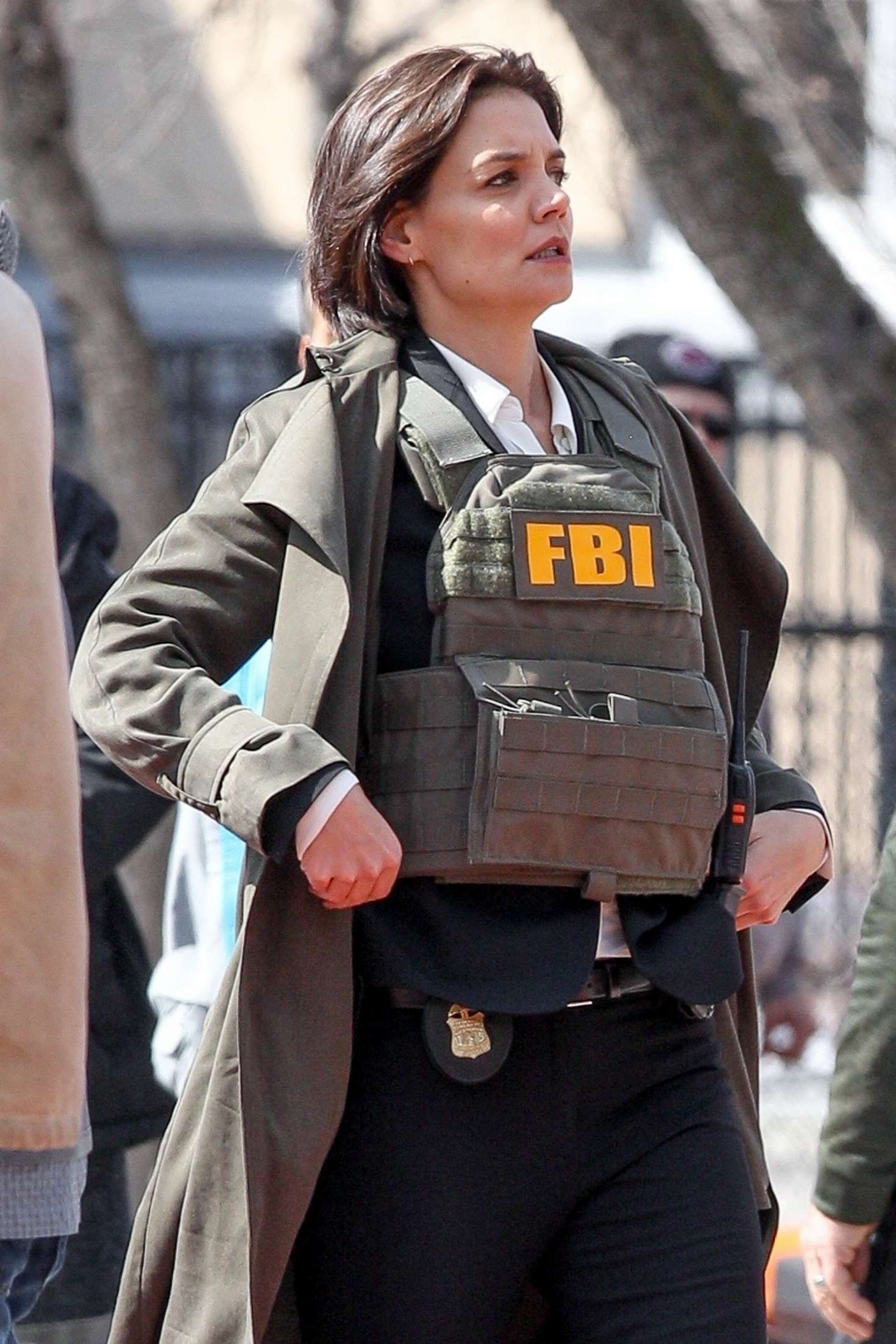 Katie Holmes - Filming new Untitled FBI/Fox Project in Chicago