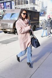 Katie Holmes - Heading to a casting call in NYC