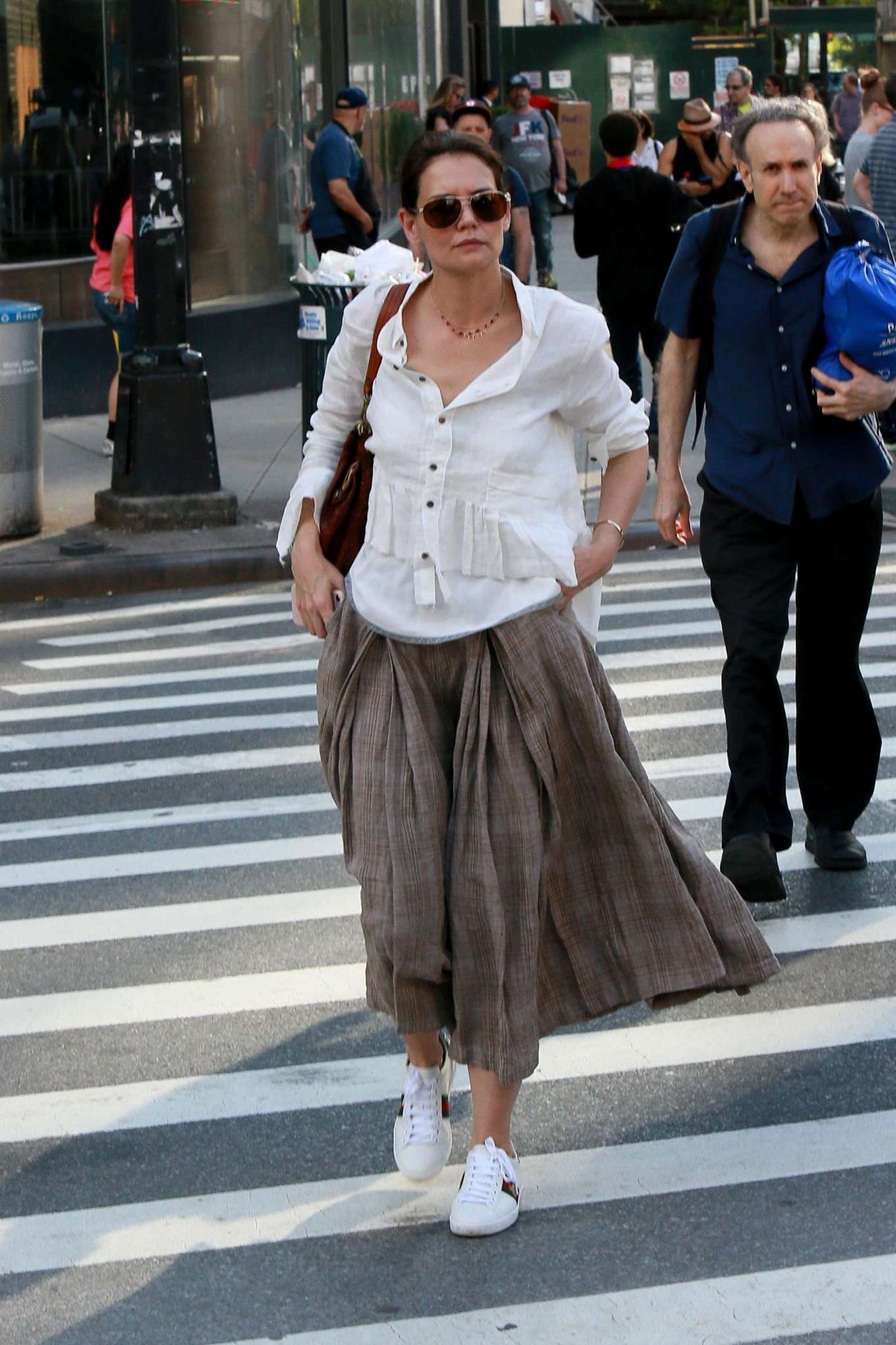 Katie Holmes - Heads into the train station in NYC