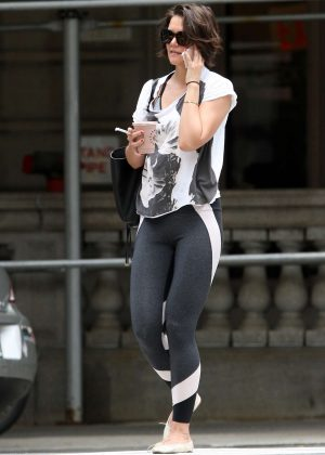 Katie Holmes - Heads to the gym in New York City