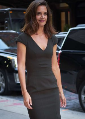 Katie Holmes - In dark green dress while entering her hotel in NYC