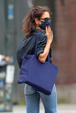 Katie Holmes -  In denim headed Into Vito Schnabel's West Village house and studio in New York
