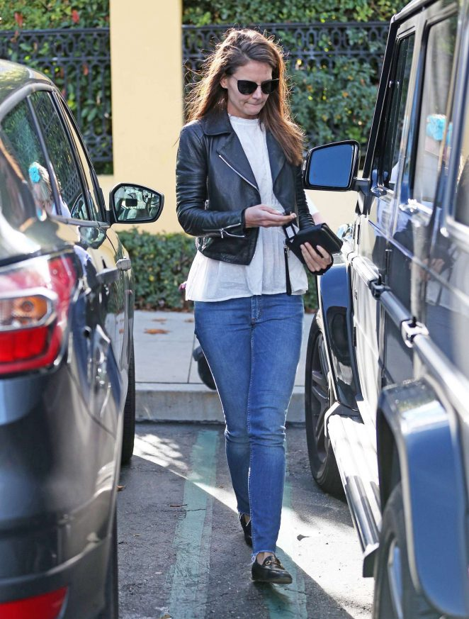 Katie Holmes in Jeans at Sunlife Organics in Calabasas