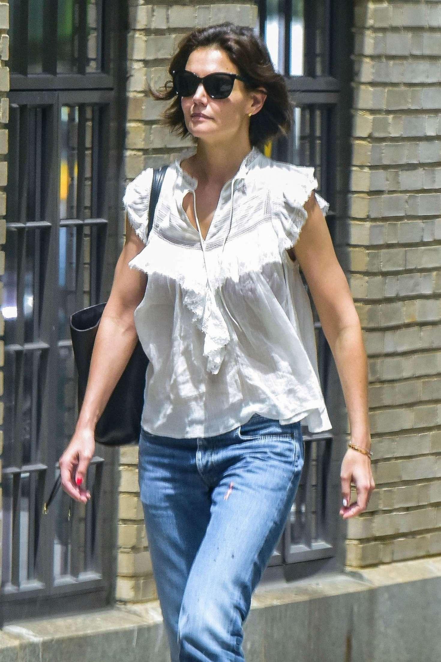 Katie Holmes 2018 : Katie Holmes in Jeans -04