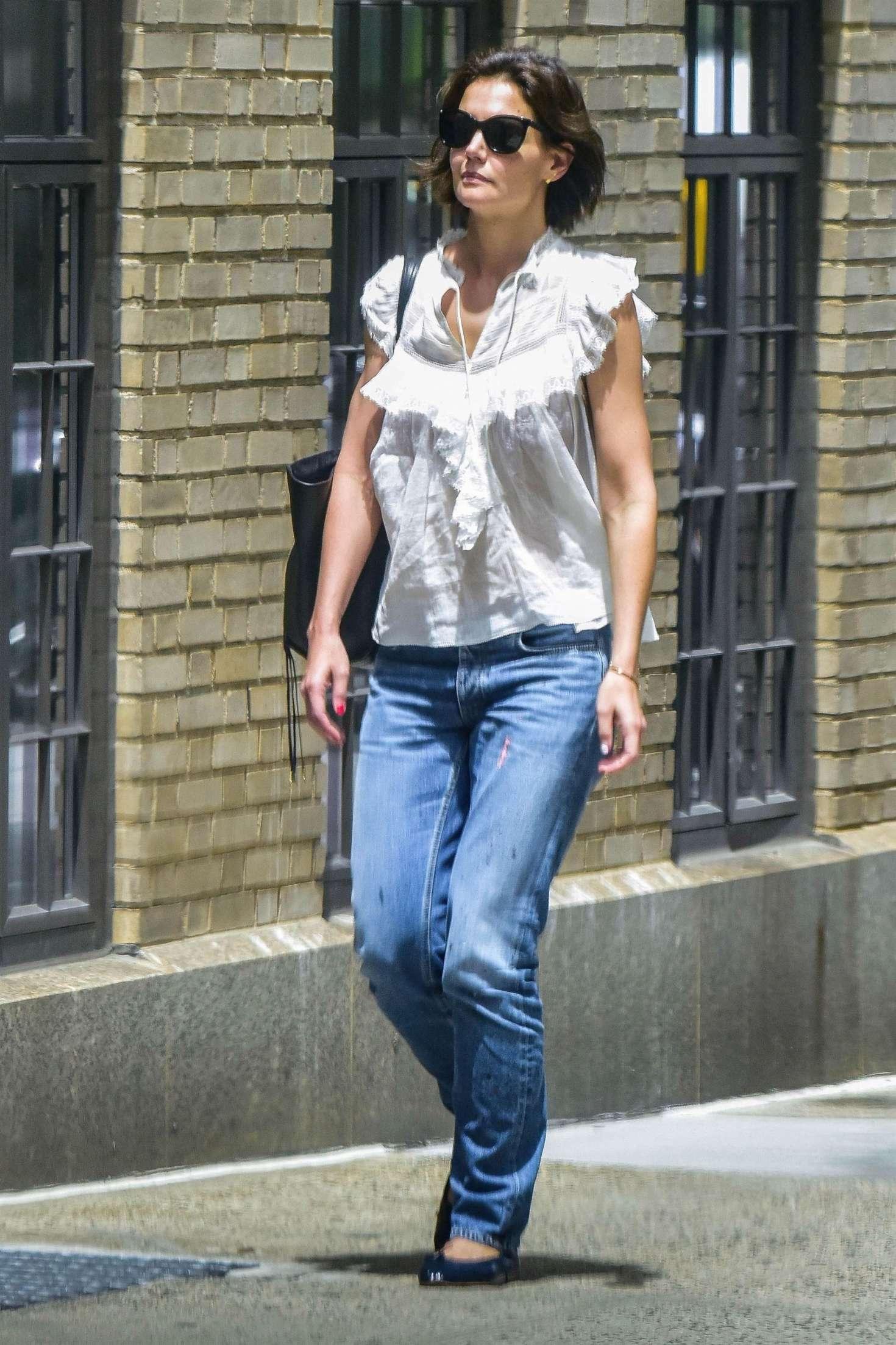 Katie Holmes 2018 : Katie Holmes in Jeans -07