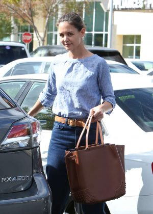 Katie Holmes in Jeans out Shopping in Calabasas