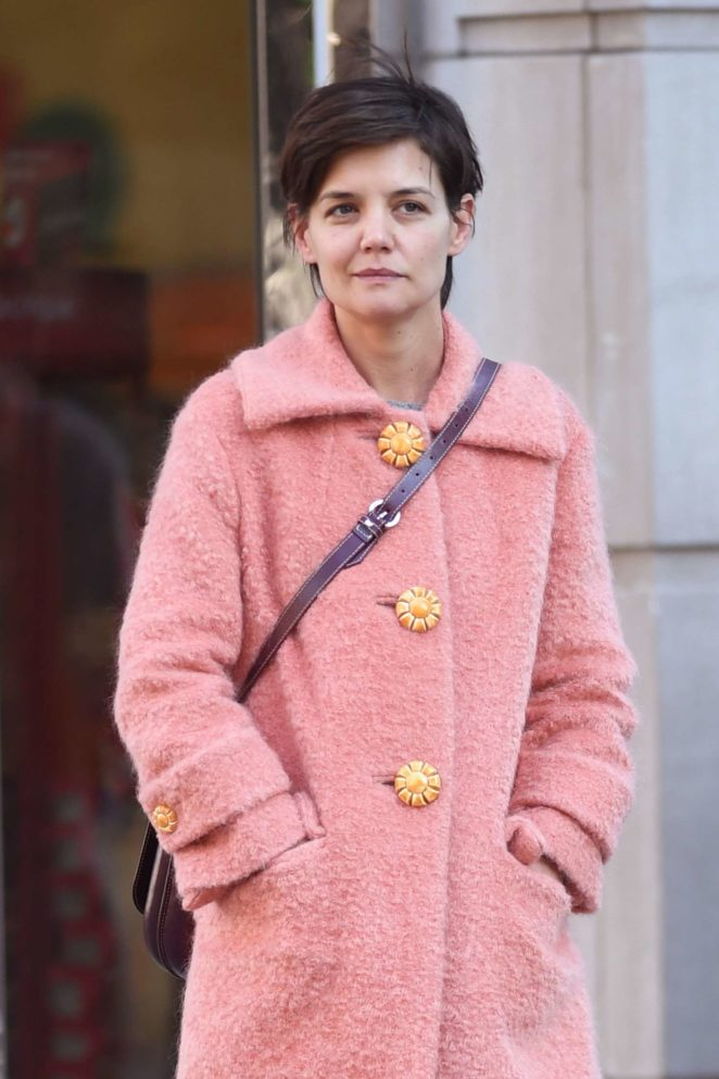 Katie Holmes in Pink Caot – Shopping in NYC