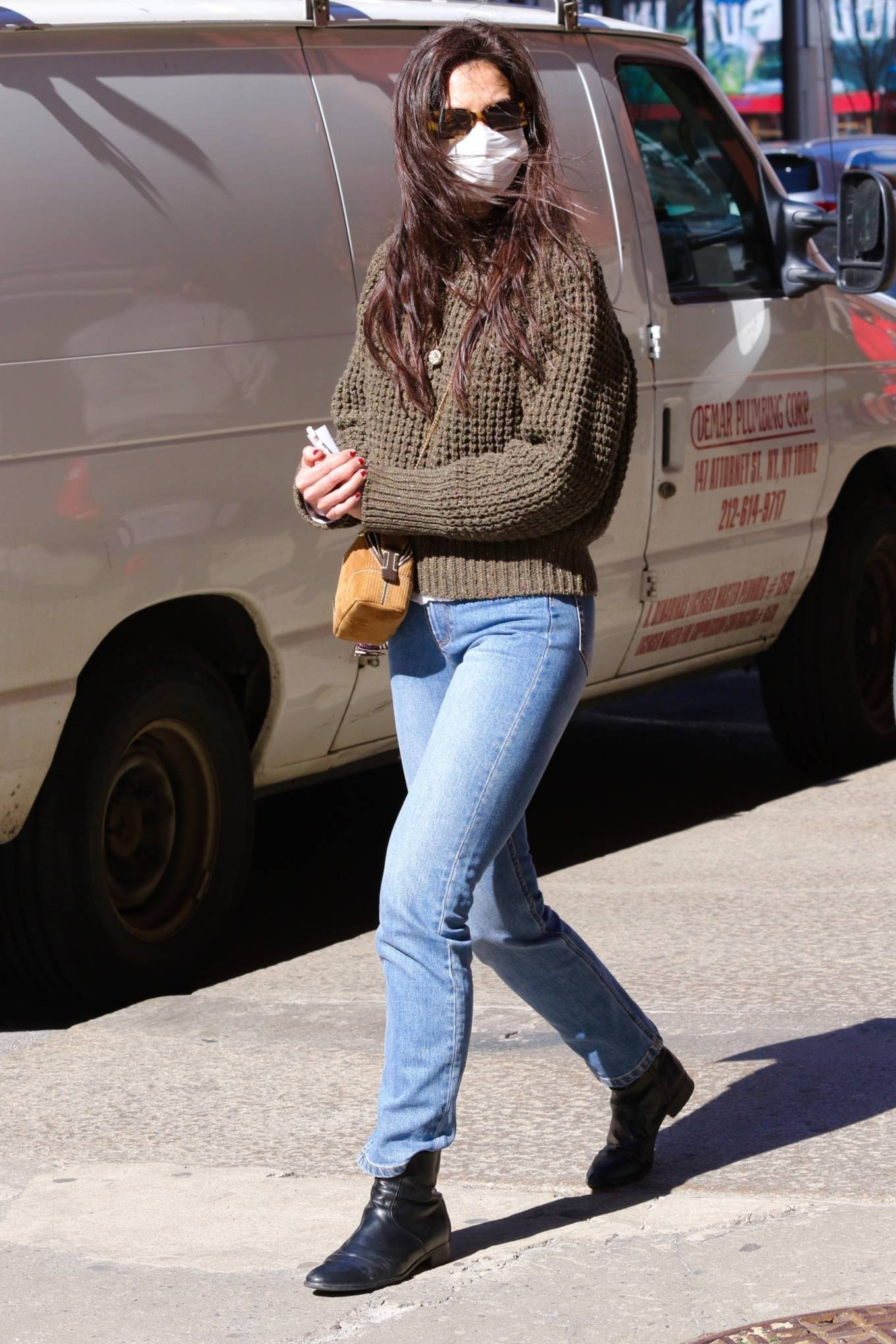 Katie Holmes 2021 : Katie Holmes – In tight jeans while out shopping in Manhattan-05