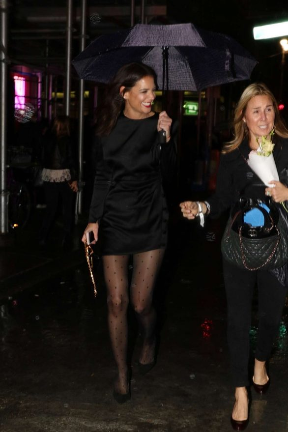 Katie Holmes - Leaving the Nordstrom Store Opening in NY