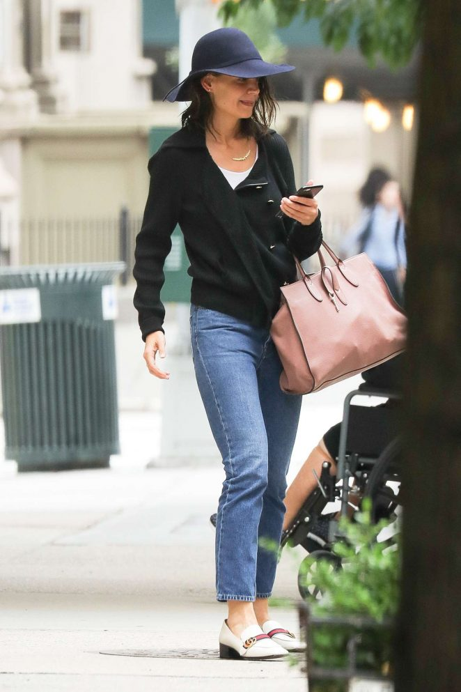 Katie Holmes Leaving the spa in New York City