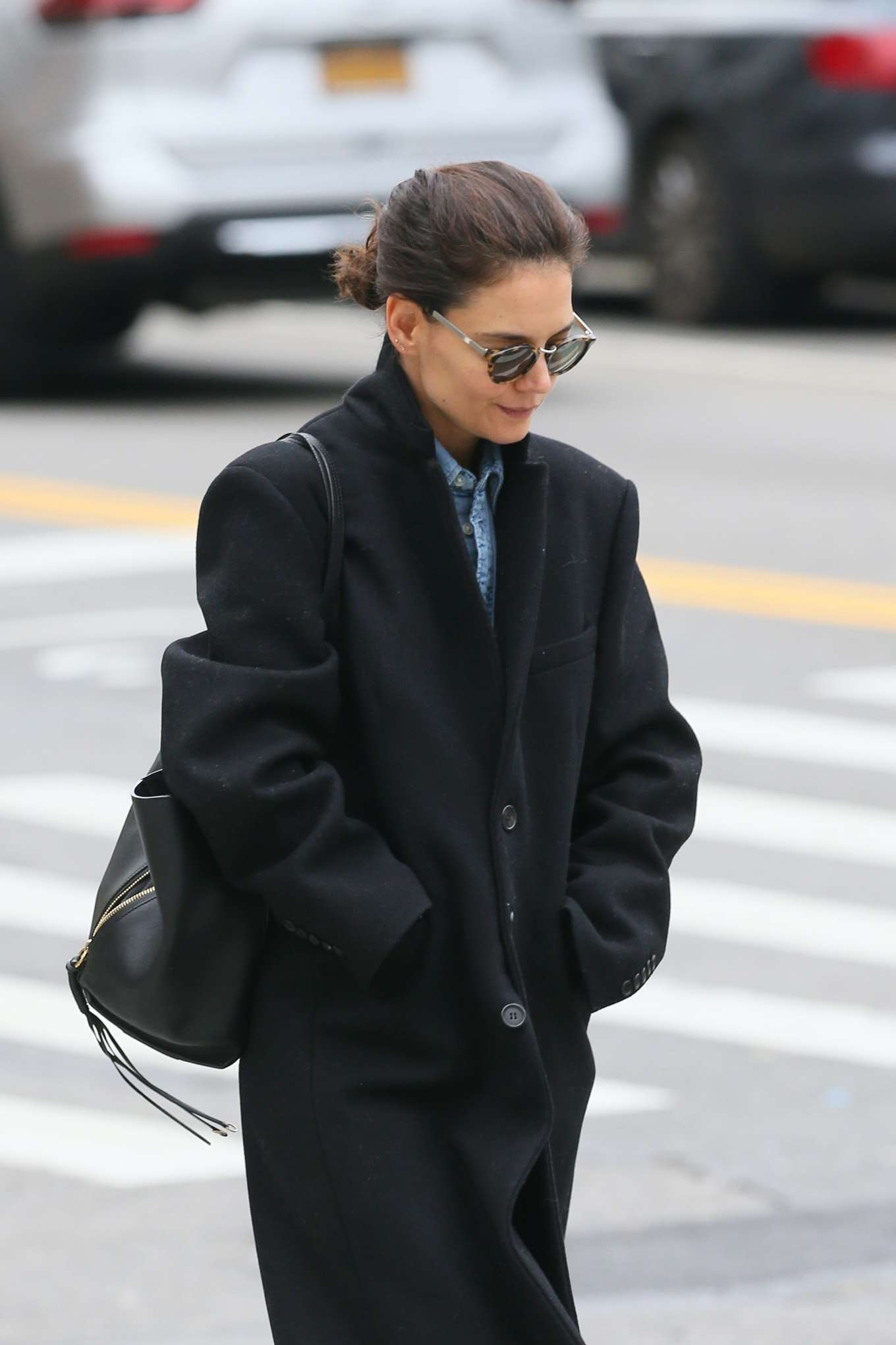 Katie Holmes - Looks casual while out for a walk in New York City