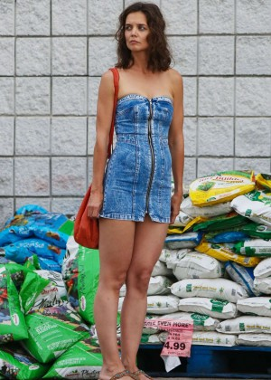 Katie Holmes in Short Jeans Dress -20