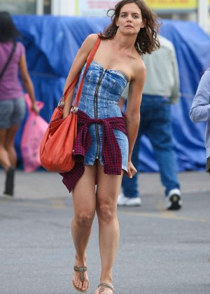 Katie Holmes in Short Jeans Dress -27