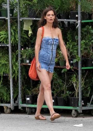 Katie Holmes in Short Jeans Dress -28