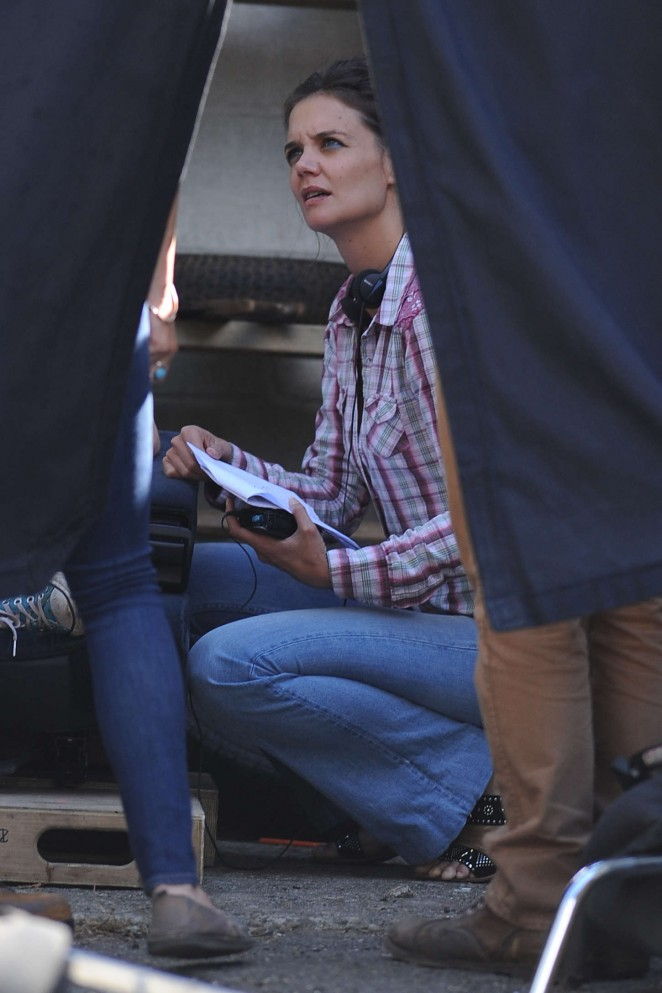 back to post katie holmes on the set of all we had in ny
