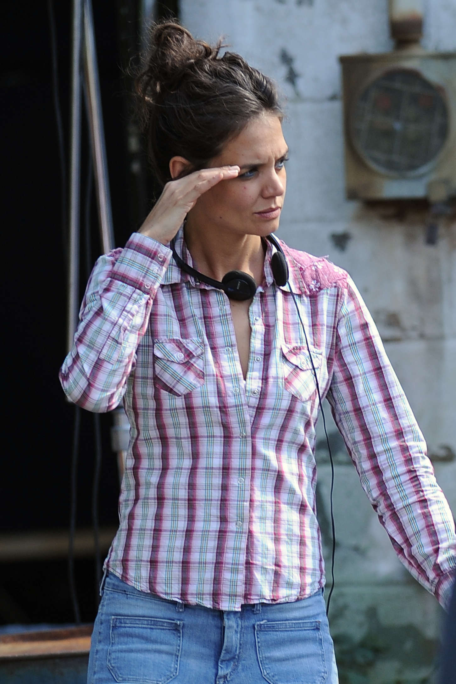 pics photos   back to post katie holmes on the set of miss meadows in