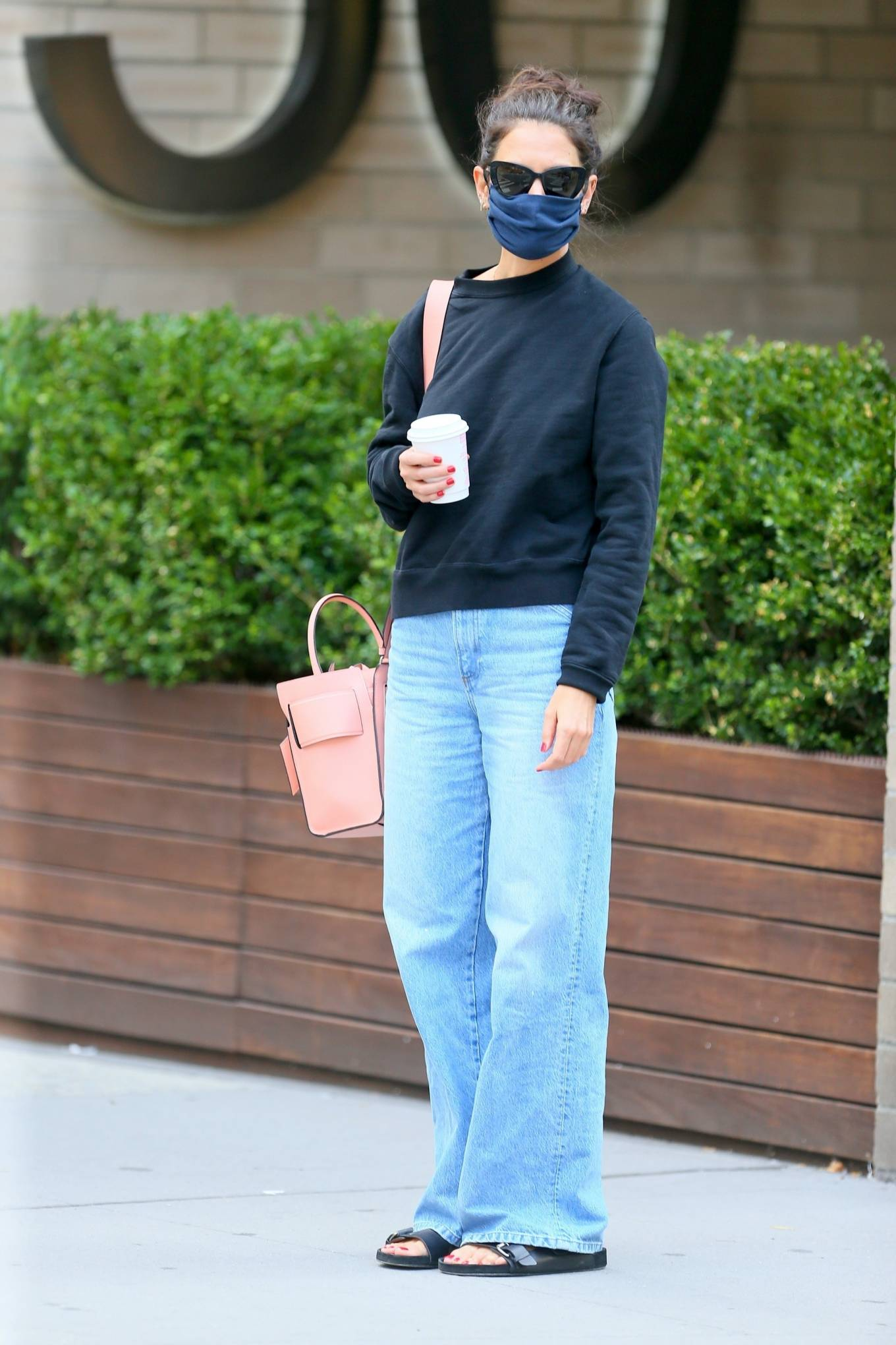 Katie Holmes 2020 : Katie Holmes – Out and about in SoHo-01