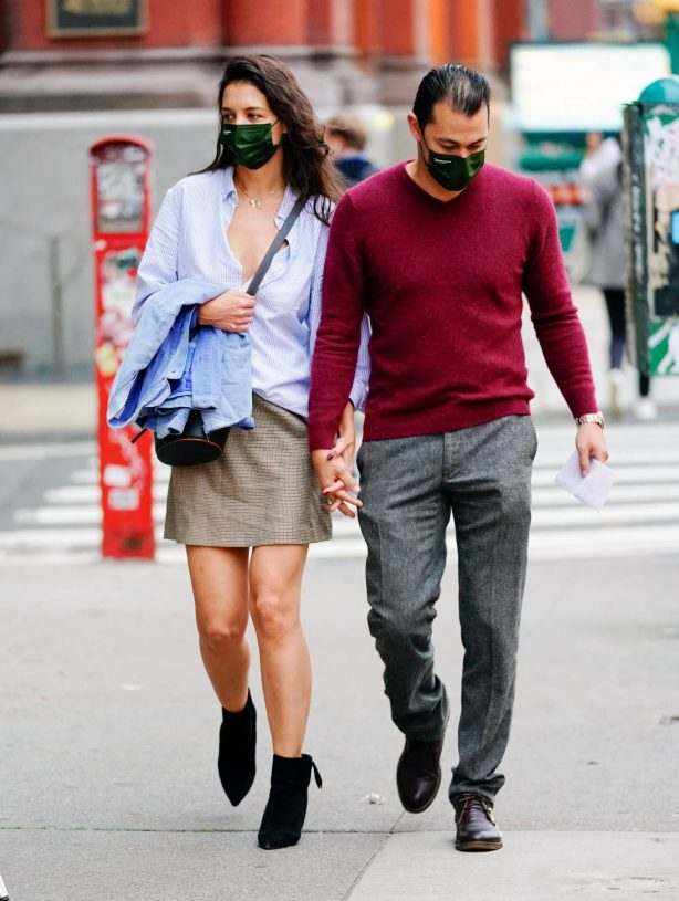 Katie Holmes - Out for a stroll in New York