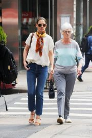 Katie Holmes - Out for lunch with her mom in NYC