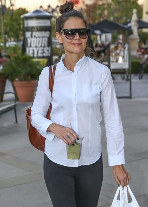 Katie Holmes out in Calabasas