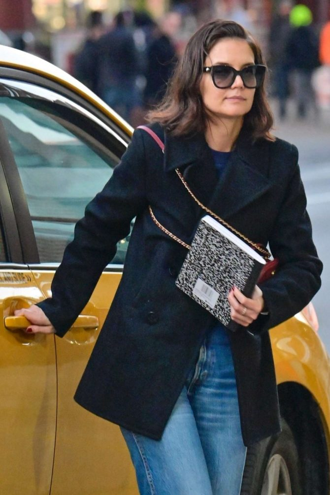 Katie Holmes – Out in Manhattan