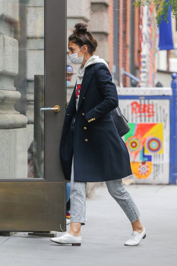 Katie Holmes - Out in New York for a walk