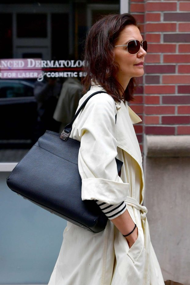 Katie Holmes: Out in New York -08