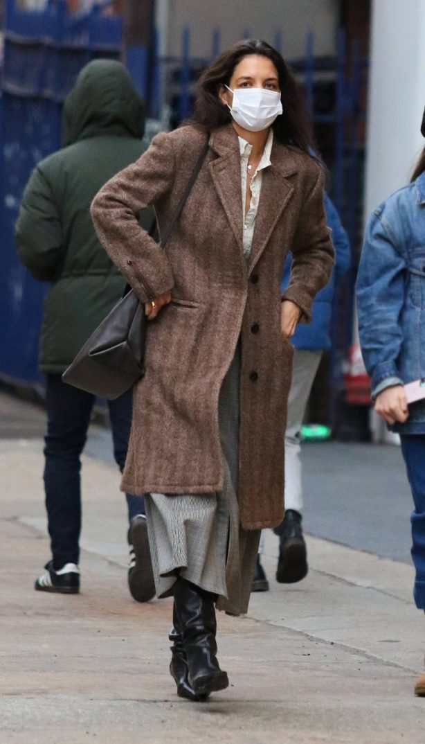 Katie Holmes - Out on New Year's Day in New York