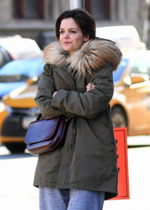 Katie Holmes picks up a cup of coffee in NYC