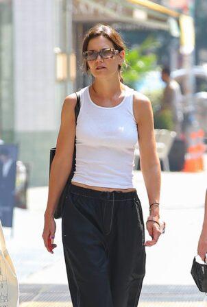 Katie Holmes - Running errands around town in New York