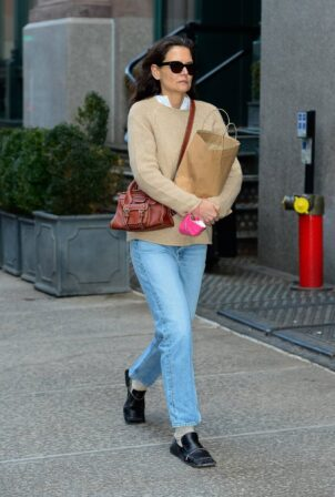 Katie Holmes - Running errands in New York