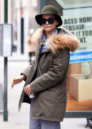 Katie Holmes - Seen at 5av in NYC
